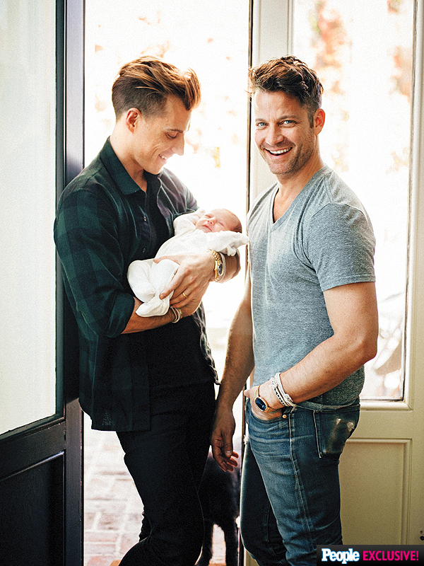 Nate Berkus Jeremiah Brent Introduce Daughter Poppy First Photo on Kitchen Christmas Decorating Ideas