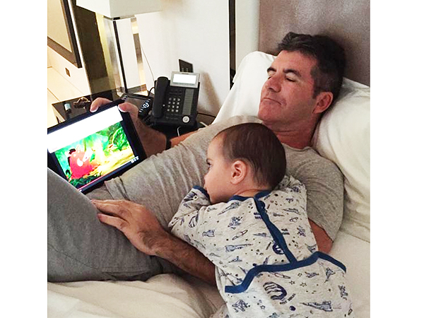 Simon Cowell son change diaper