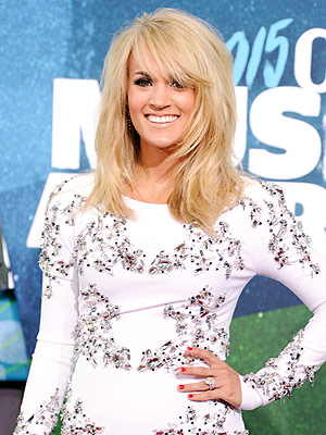 Carrie Underwood son on tour cmt awards