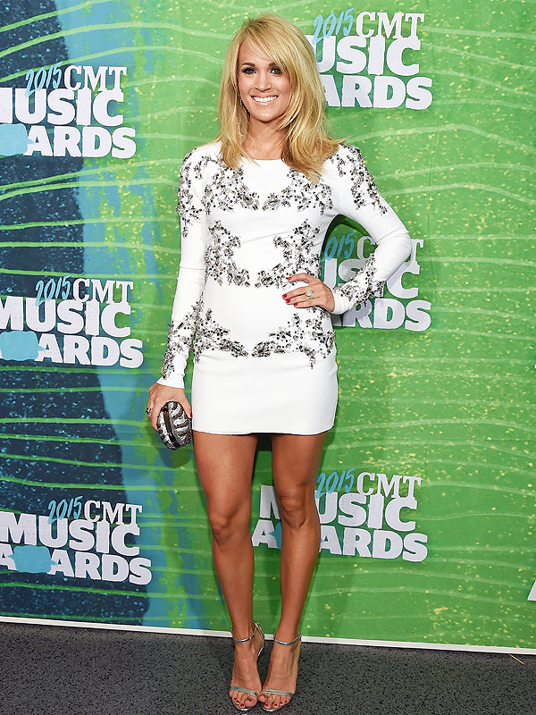 Carrie Underwood CMT Awards 2015 red carpet