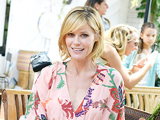 Julie Bowen Jokes: I 'Lowered Expectations' to Manage Without a Nanny | Julie Bowen