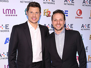 FROM EW: Take a First Look at Nick and Drew Lachey's A&E Reality Series