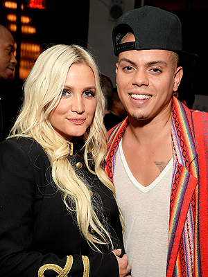 Evan Ross Ashlee Simpson Chanel push present