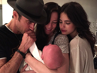 See the Sweet Moment Justin Theroux Met Leftovers Costar Liv Tyler's Son Sailor