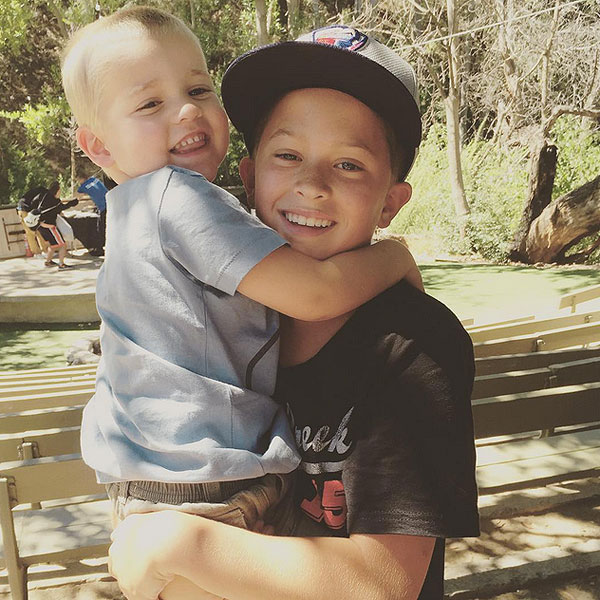 reese witherspoon shares sweet photo of sons tennessee and