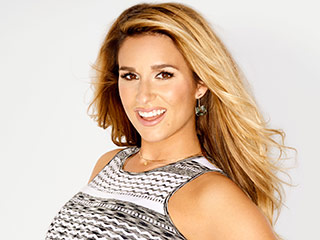 Jessie James Decker Opens Up About Pregnancy: 'I Loved Breastfeeding the First Time Around'