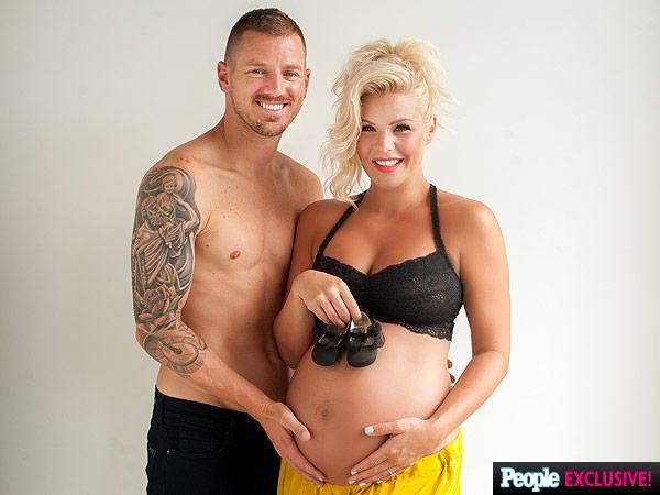 Kimberly Caldwell pregnant maternity photos