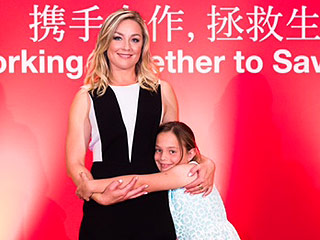 Elisabeth Röhm Blogs About Her Trip to D.C. to Honor Her Mother (and Make Memories!)