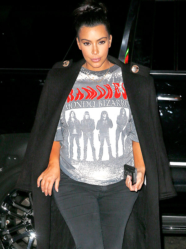 Kim Kardashian West pregnant Kanye ramones shirt