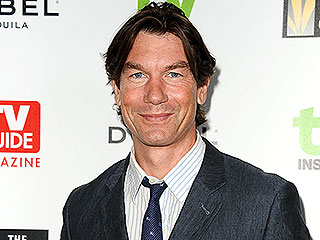 Jerry O'Connell on His Twin Daughters: 'It's Frightening How Much They Know'