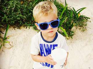 'It's All About That Cake!' Reese Witherspoon's Son Tennessee Turns 3