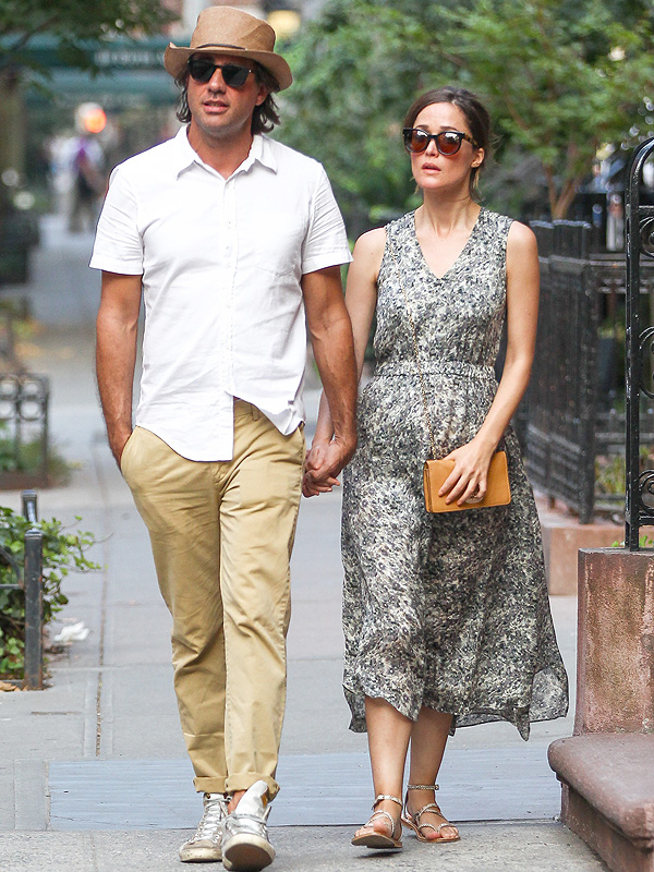 Is bobby cannavale dating rose byrne 1
