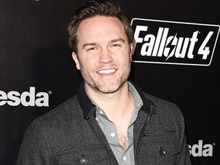 Scott Porter Says Son Refuses to Sleep in a Crib: He Naps in My Arms