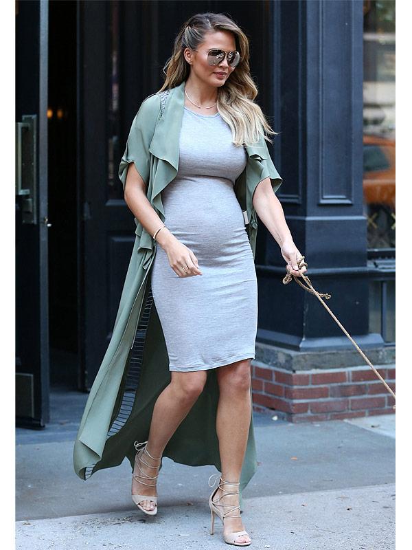 d6ce9b28e51b Chrissy Teigen Can t Stop Channeling Kim s Baby Bump Style – Even ...