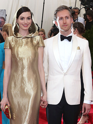 Anne Hathaway pregnant expecting first child Adam Shulman