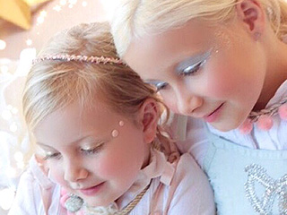 Fashion Stars! See Tori Spelling's Daughters Debut As Mini Models