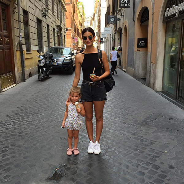 Lily Aldridge daughter Dixie