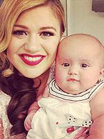 Kelly Clarkson River Rose Photos