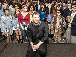 Talk About a Good Week! Chris Young Gets an Award and Announces New Tour