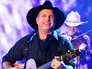 Garth Brooks Shocks Fans by Doing Something He Hasn't Done in 20 Years!