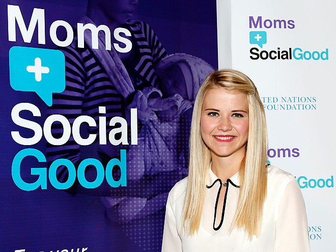 SHE'S A MOM photo | Elizabeth Smart