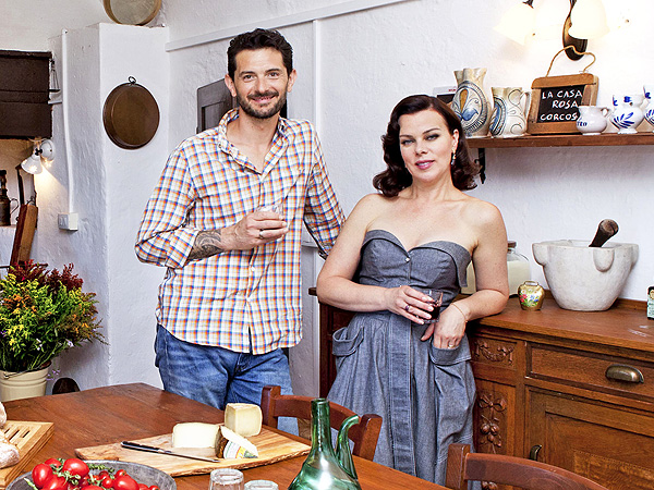 Gabriele Corcos and Debi Mazar in their cooking show