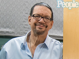 You Have to See the Scrabble Floor in Penn Jillette's Bathroom (PHOTOS)