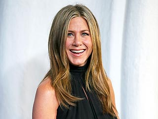 Jennifer Aniston Reveals Her New Spa Obsession: Infrared Saunas (with Justin!)