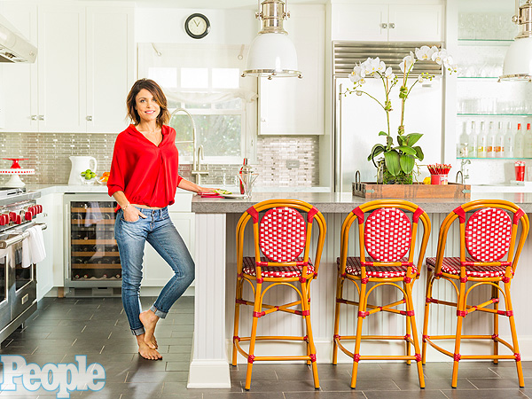 People Decorating Home bethenny frankel decorating tips for hamptons home - great ideas