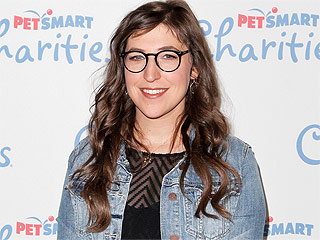 Mayim Bialik on Her Jewish Faith Not Being 'Trendy' in Hollywood: 'I've Gotten a Lot of Negative Attention for Visiting Israel'