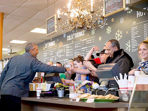 President Obama Cinnamon Rolls Alaska