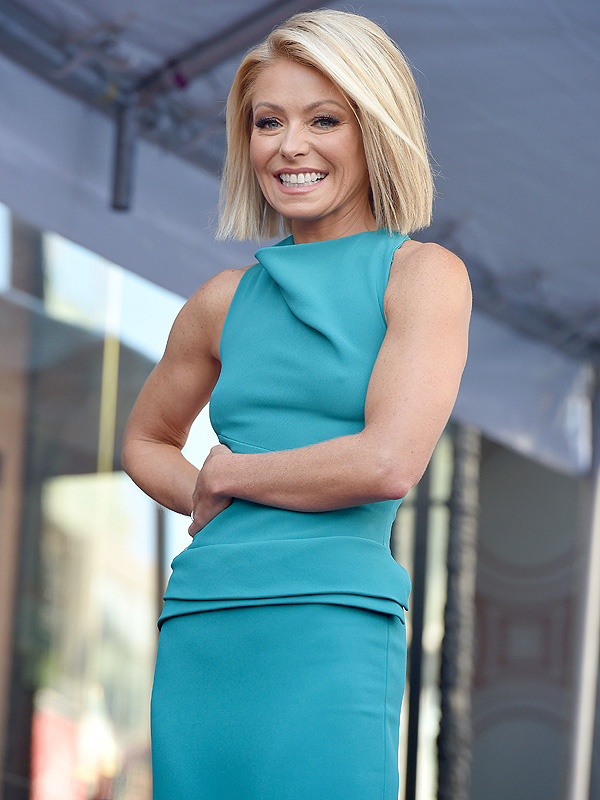 Kelly Ripa Talks Fitness High Alkaline Diet And Mastering The Kitchen Great Ideas People Com