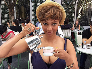 The Very Best Celebrity Food Photos of the Week from Tyra Banks, Zac Efron, and More