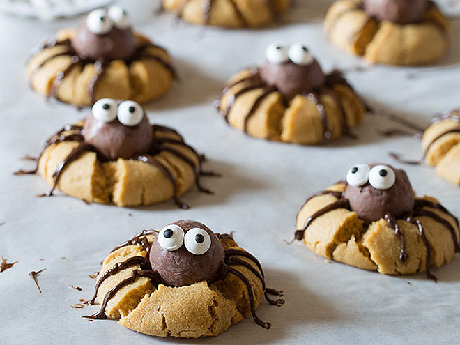 Halloween Party Snacks and Spooky Desserts You Can ...