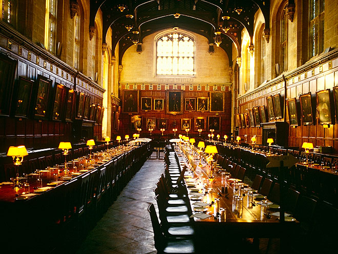 Harry potter vacation locations you can visit for Comedor harry potter