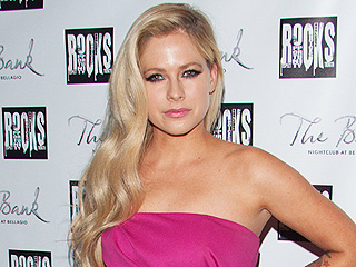 Avril Lavigne: I'm Not in Rehab