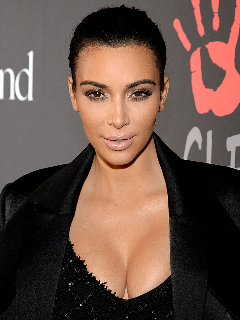 Kim Kardashian Is Pregnant, Twitter Reactions, South West Name Ideas ... Kim Kardashian