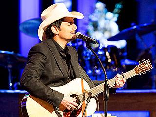 Nashville Says Goodbye to Little Jimmy Dickens | Brad Paisley