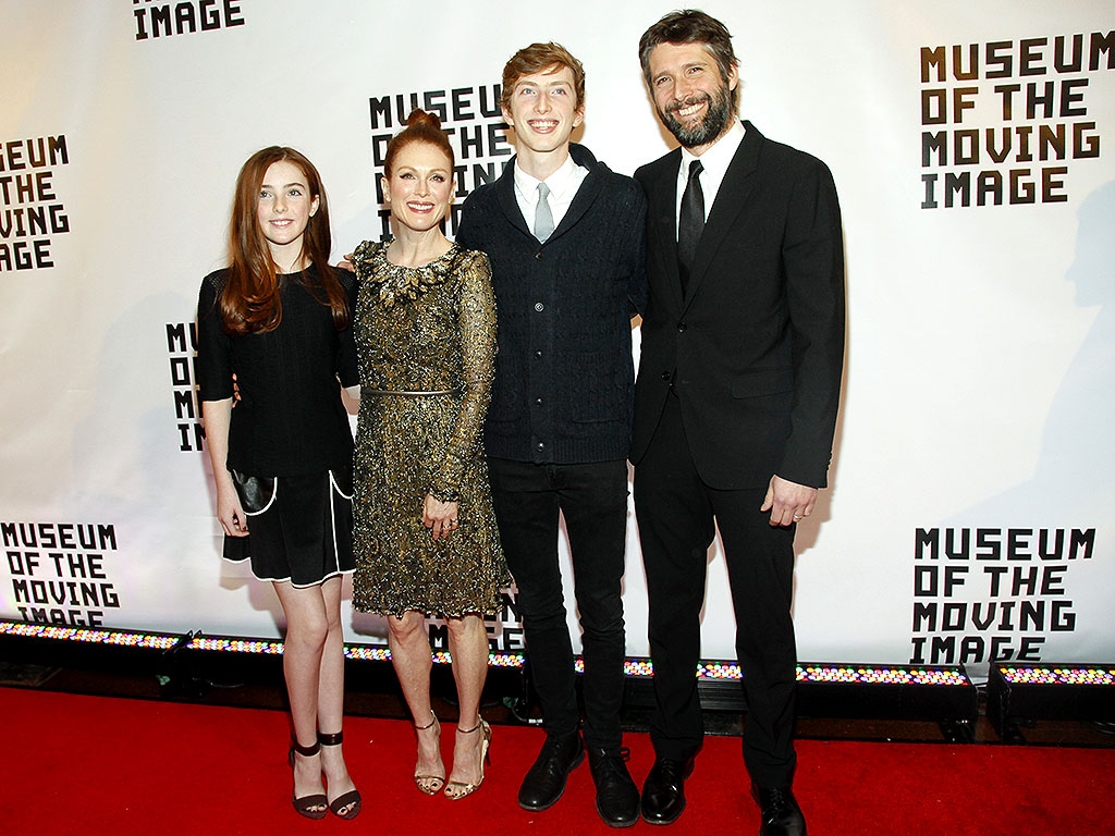 Julianne Moore and Bart Freundlich Talk Marriage and ...