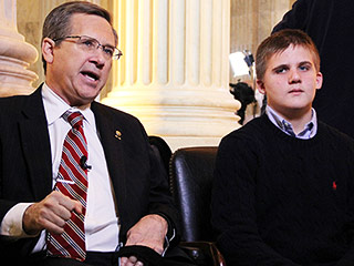 Young Stroke Survivor and His BFF Senator Reunite for State of the Union Address