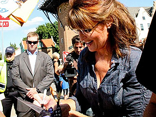 Sarah Palin Talks About the 'American Sniper' She Called a Friend |