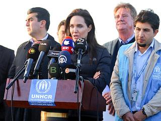 Angelina Jolie Visits Kurdish Refugee Camp, Says International Community 'Is Failing' to Address Refugee Crisis