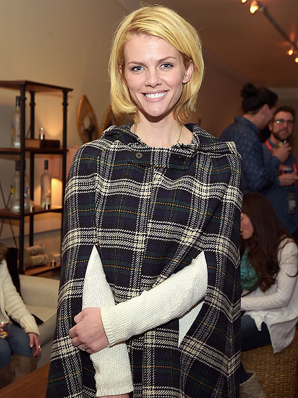 Brooklyn Decker 'Livid' After Missing Flight to Pump Breast Milk in Restroom