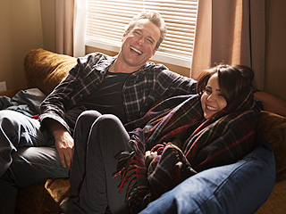 John Corbett Returns, Sarah Gets Roasted and Hank Gets Style Tips in Parenthood Finale Deleted Scenes