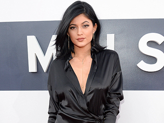 Kylie Jenner Rocks a Bikini (and New Wig) for Another Trip to Coachella (PHOTOS)