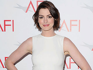 Anne Hathaway Says She's Working on Being On-time