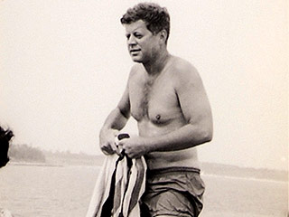 Bathing Beauties! Never-Before-Seen Photos of JFK and Jackie Up for Auction | John F. Kennedy Jr.