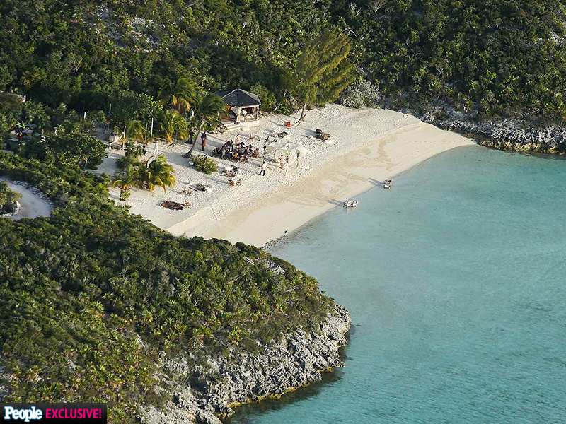 Inside Johnny Depp and Amber Heard's Private Island Wedding Ceremony (PHOTOS)| Couples, Weddings, Amber Heard, Johnny Depp