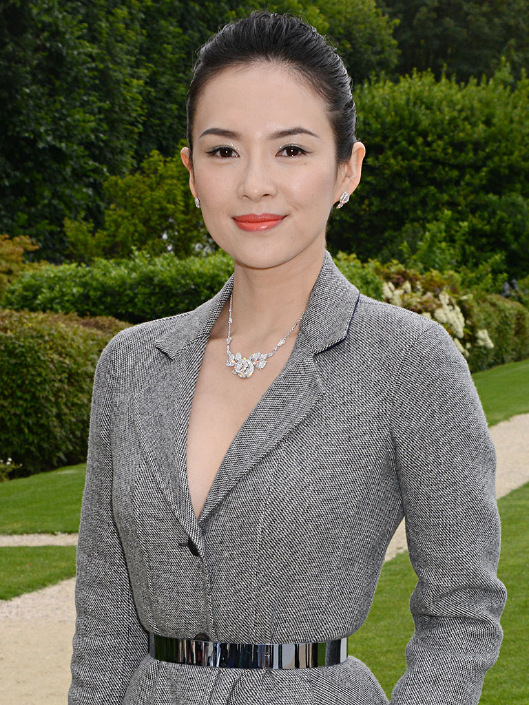 Zhang Ziyi, 39;Crouching Tiger39; Star, Receives Engagement Ring by Drone