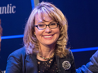 Gabby Giffords Sings 'Maybe' with Music Therapist